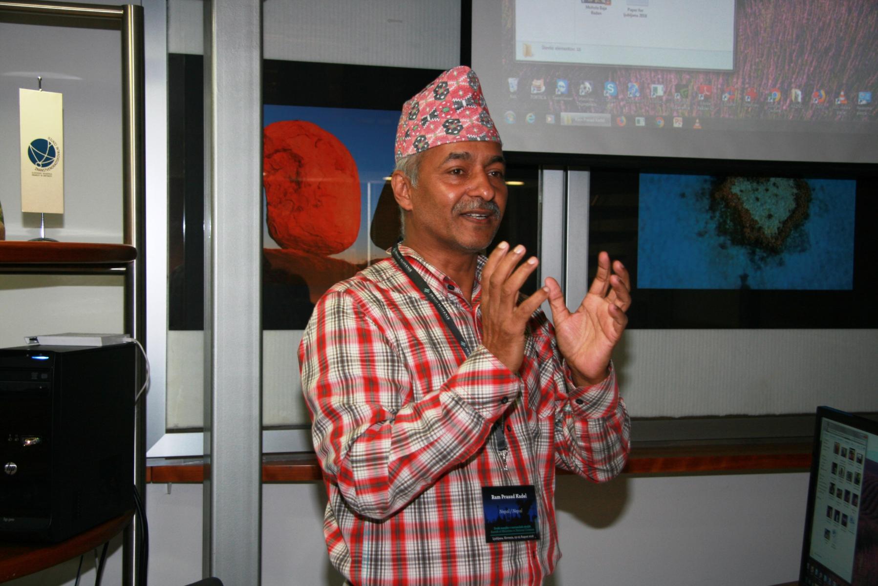 Ram Prasad Kadel. Udeleženec razprave Svetovna mreža ICTM: izkušnje in možnosti. Foto:  Urša Šivic.