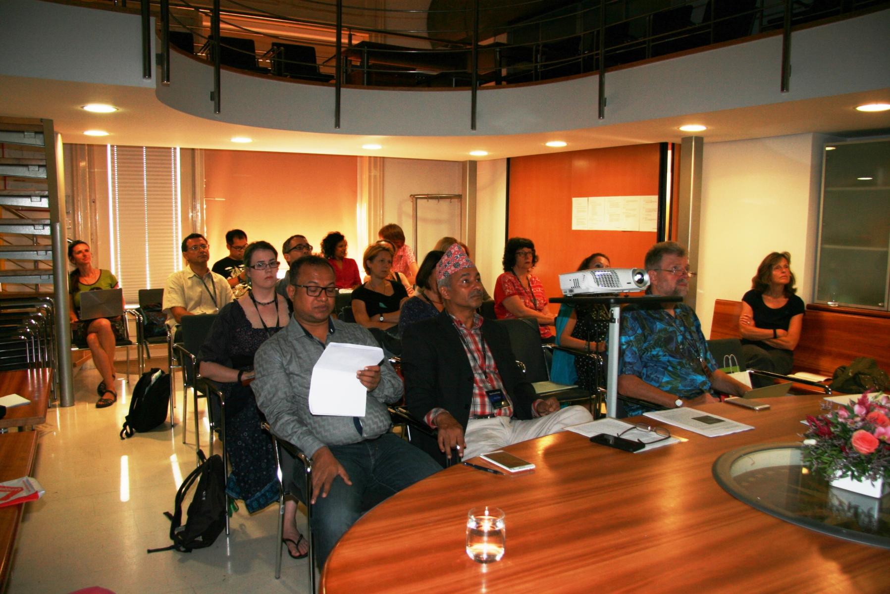 Udeleženci razprave Svetovna mreža ICTM: izkušnje in možnosti. Foto: Urša Šivic.